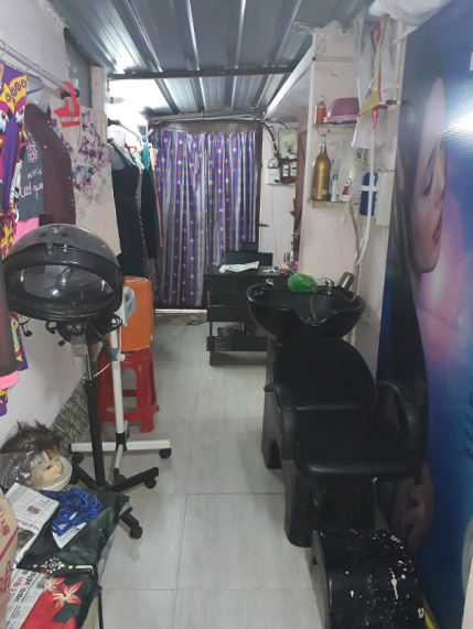 Unisex Salon for Sale in Indore
