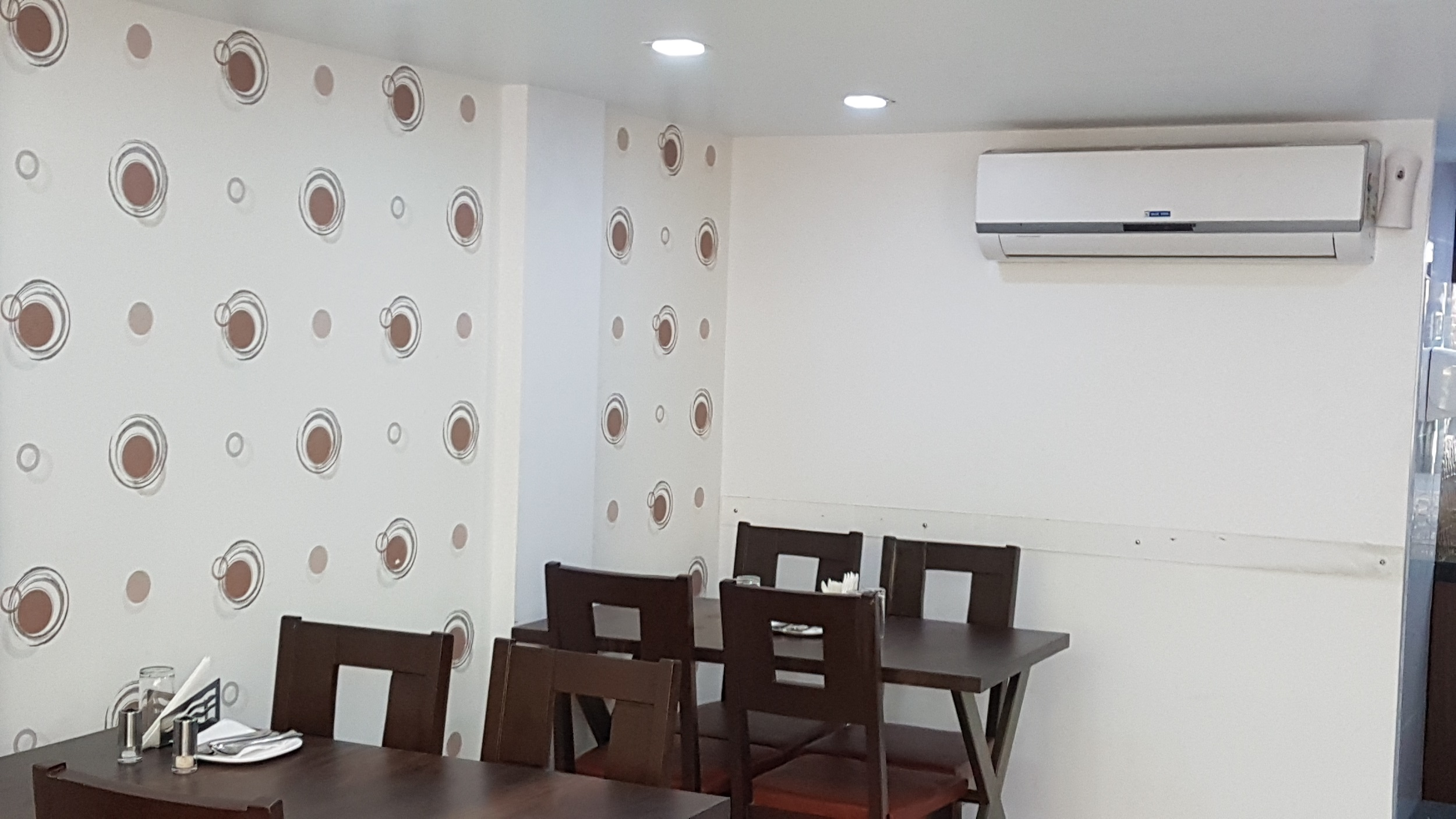 Well Established Veg Resturant for Sale in Pune with the Entire Setup
