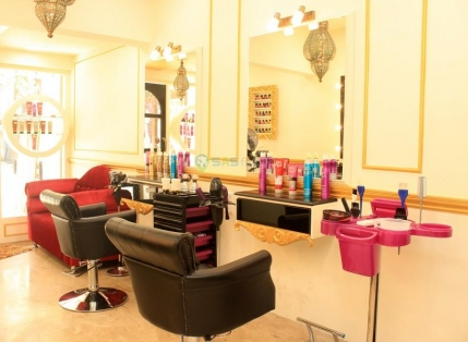 Brand New Hair and Beauty Salon franchise for Sale in Bandra, Mumbai