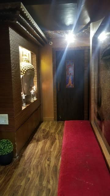 Primelocated Running Spa & Salon In Mumbai For immediate Sale