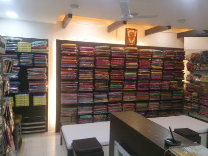 Women Ethnic Wear & Accessories Showroom for Sale in Pune