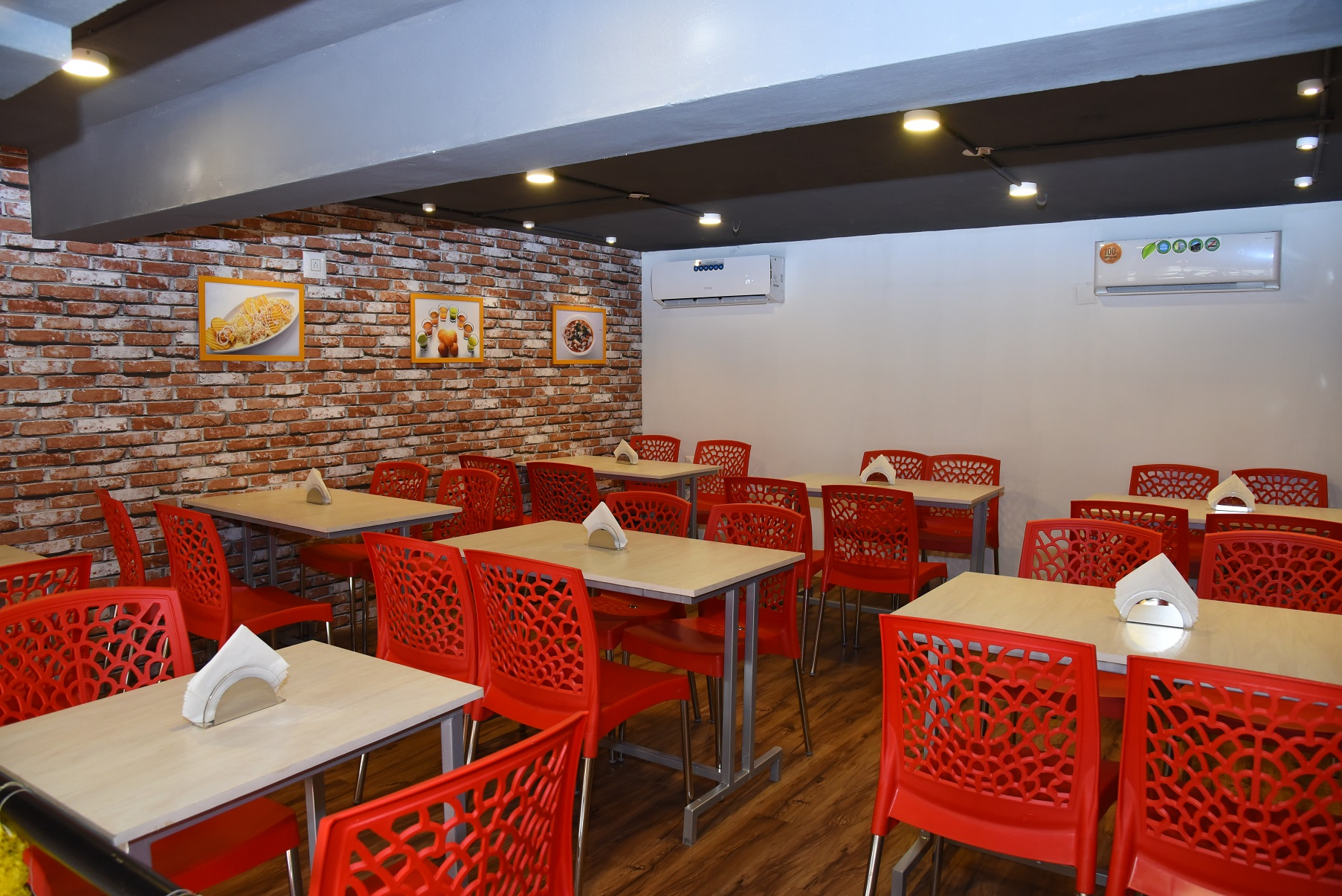 Franchise Cafe Outlet Serving Italian, Chaat and South Indian Cuisine Under 3 Brands