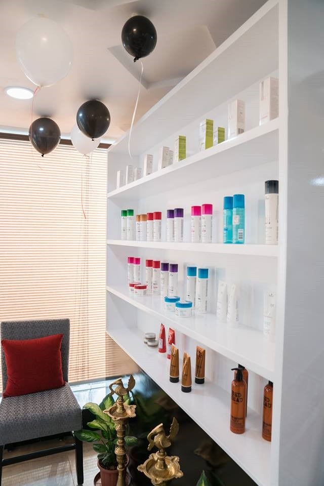 Profitable High End Salon for Sale in Jubilee Hills - Madhapur Hyderabad
