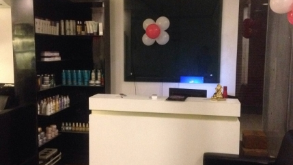 Newly Build Unisex Salon for Sale in Chennai