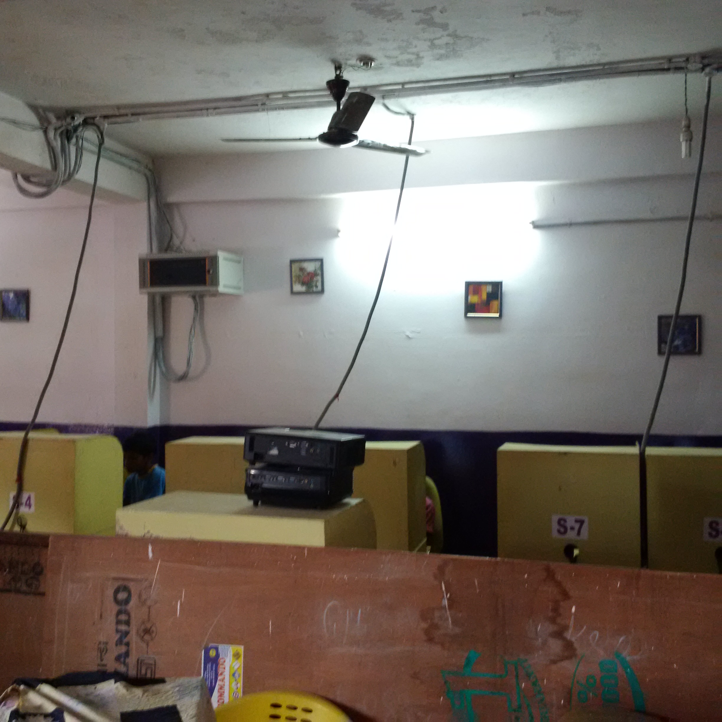 Reputed Cyber Cafe And It Training Facility For Sale In -7192
