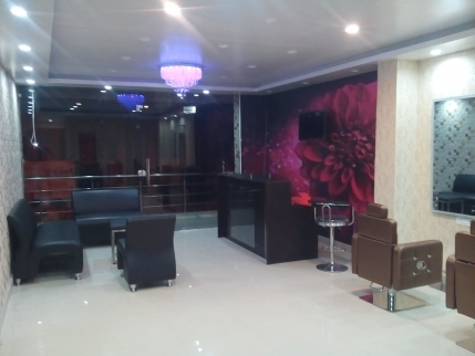 Salon for sale in Dehradun, Uttarakhand