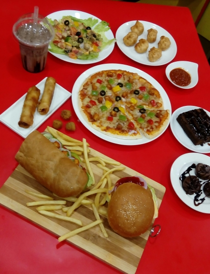 Running Pizza Burger Outlet in Omr Chennai for Sale.