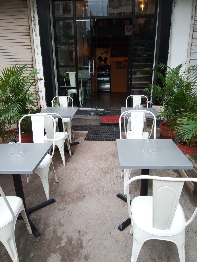 Running Cafe for Sale in Kothrud, Pune