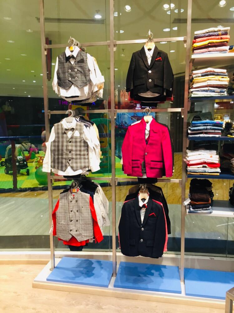 Branded Kids Garment & Accessories Retail Store's for Sale in Pune