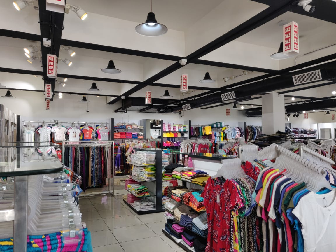 Surplus Garments Showroom with Brands and Quality for Sale in Chennai