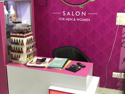 Newly Built Unisex Salon for Sale in Delhi