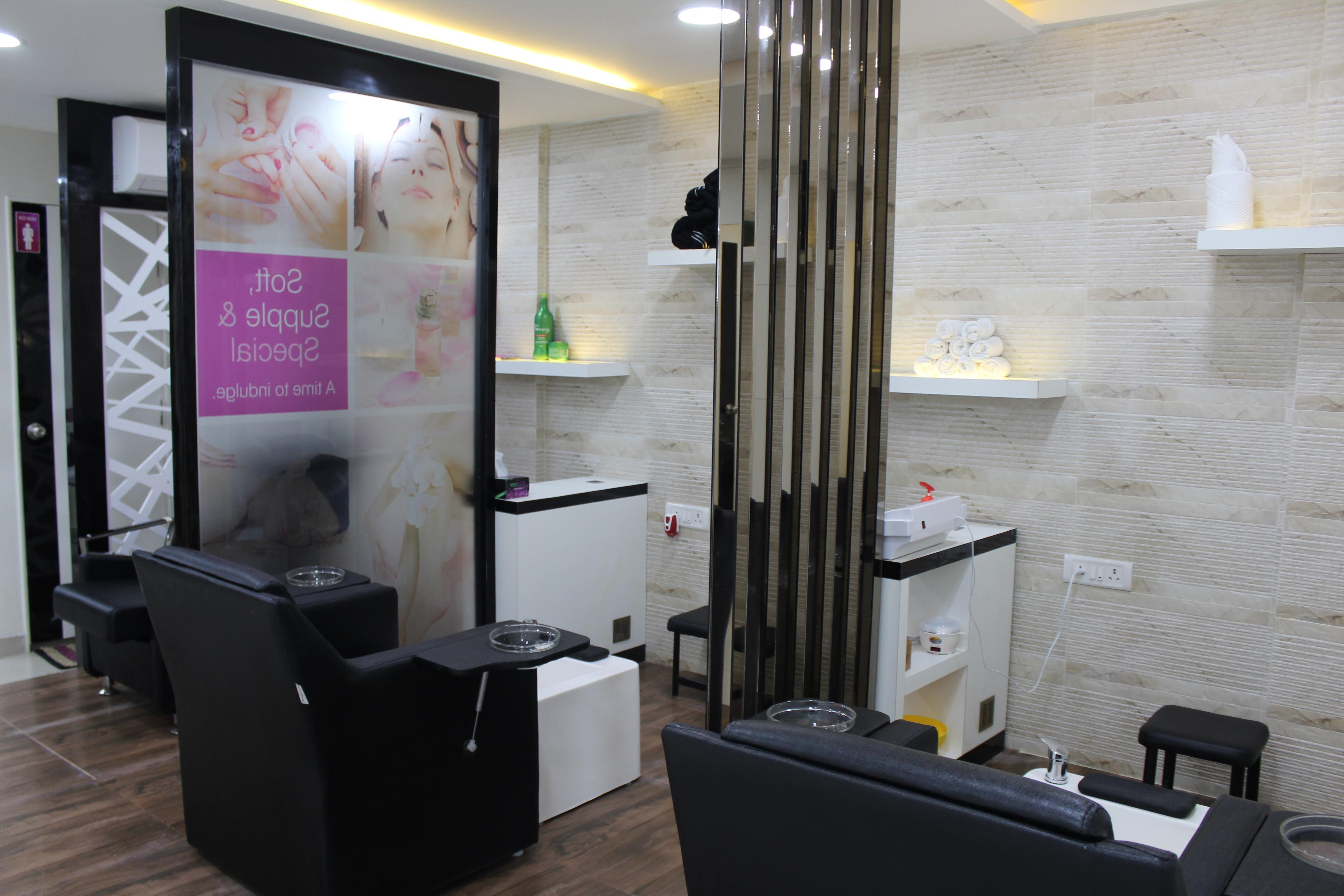 Profitable Unisex Salon for Sale in Bangalore