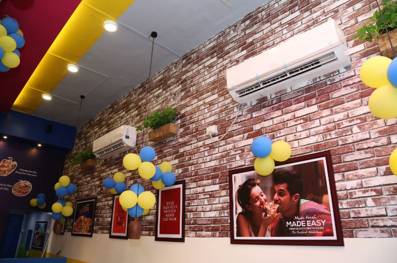 Newly Opened Franchise Pizzeria for Sale in Navi Mumbai