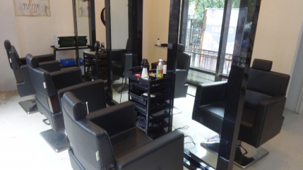 Established Unisex Salon for Sale for Mulund, Mumbai