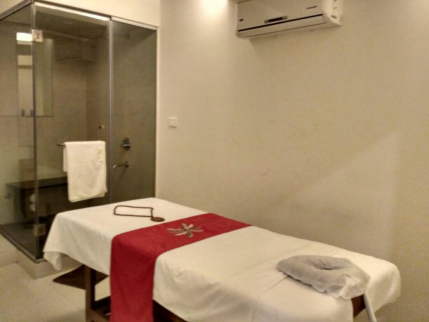 Dormant Spa Available on Lease in Pune