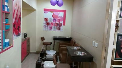 Well Established Ladies Only Beauty Salon Available for Partnership at Mogappiar