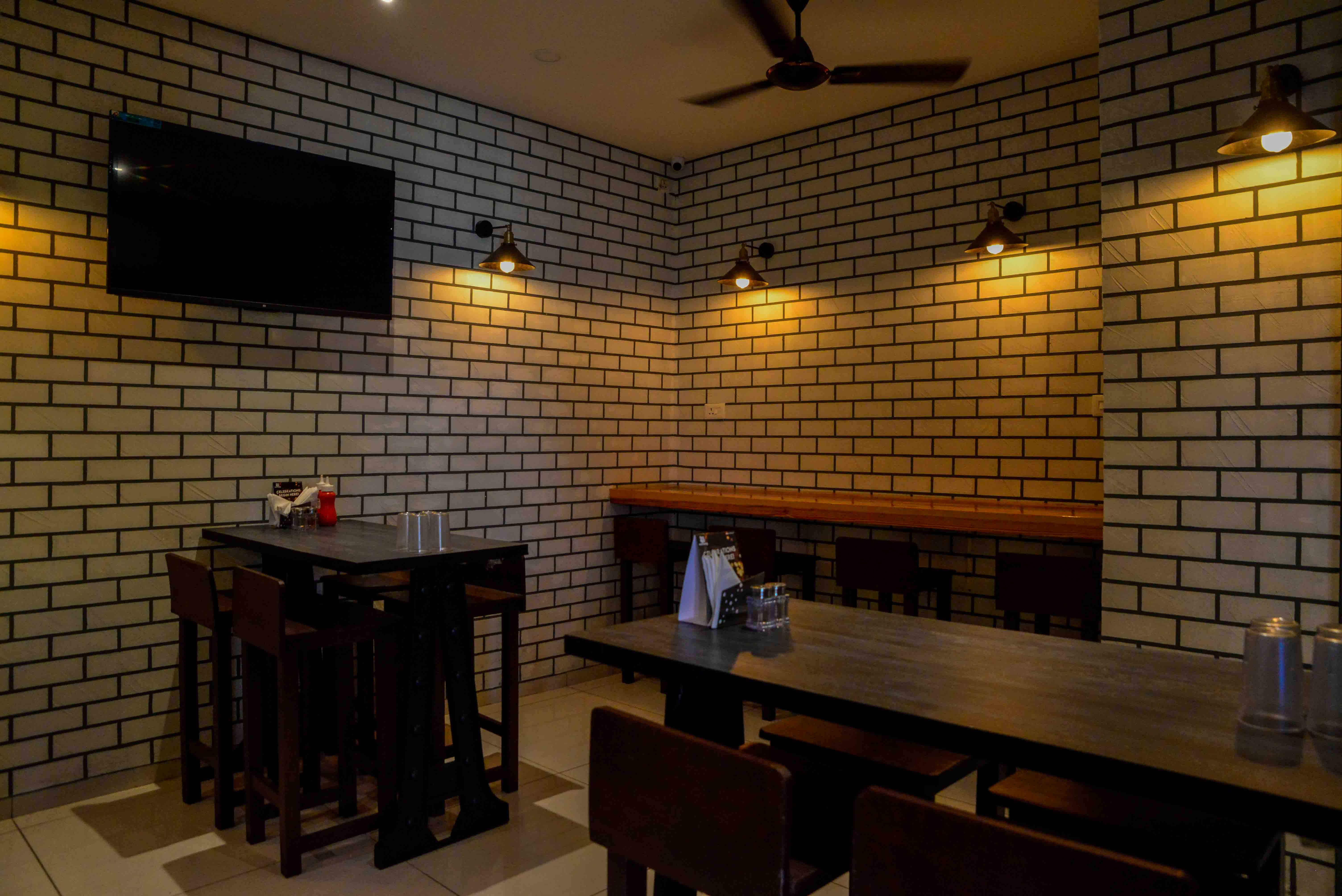 Cafe Serving Indian, Chinese and Continental Cuisine Is for Sale in Vadodara