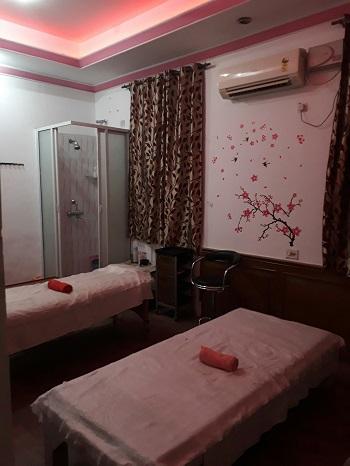 A Profitable Spa Business for Sale in Central Delhi