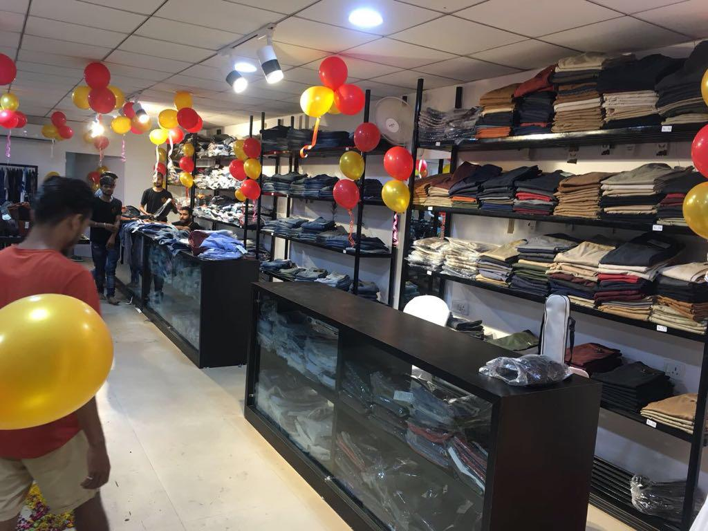London Based Branded Clothing Franchise Outlet for Sale in Gwalior