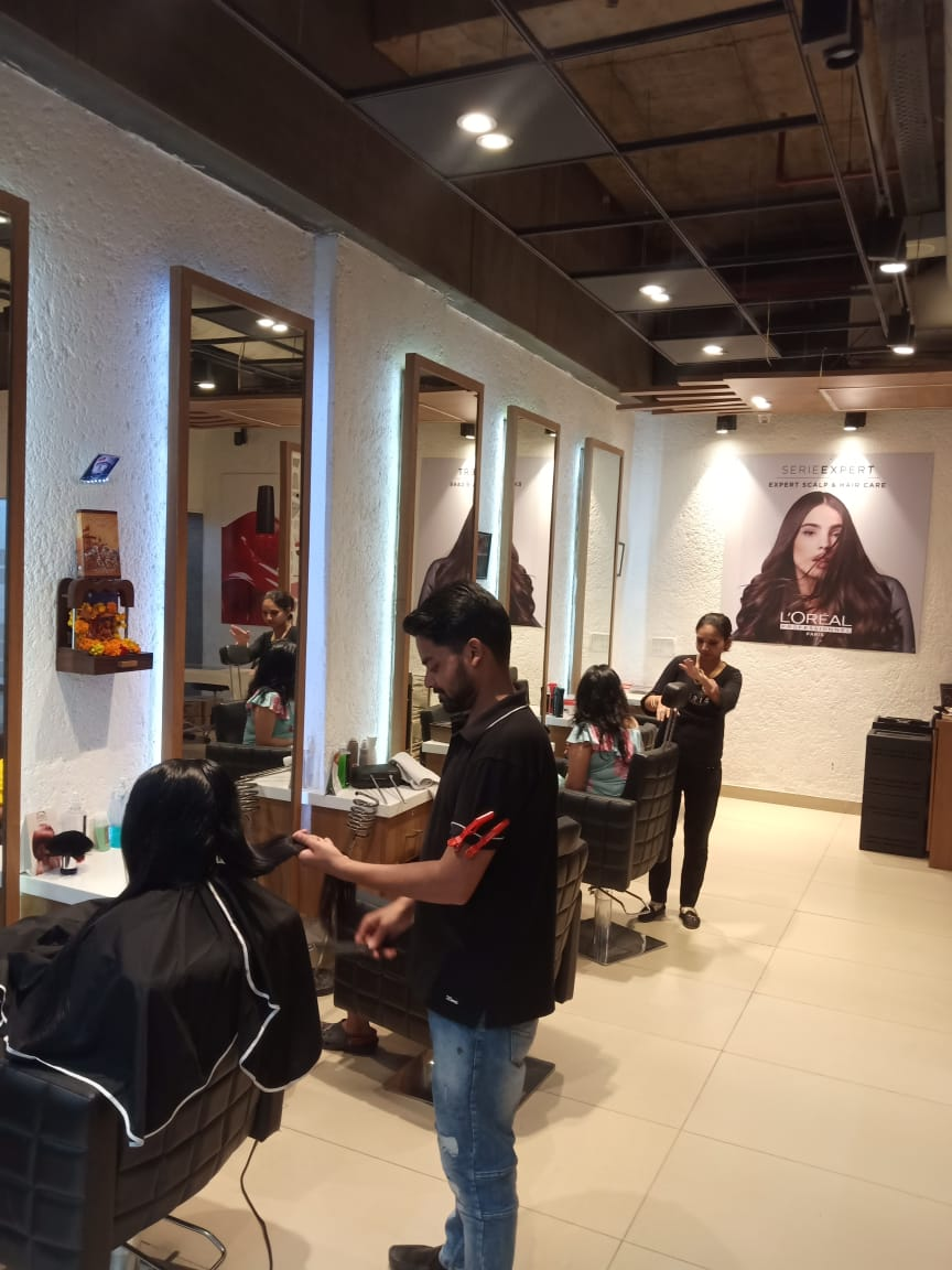 Well Established Salon Franchise for Resale in Gurgaon