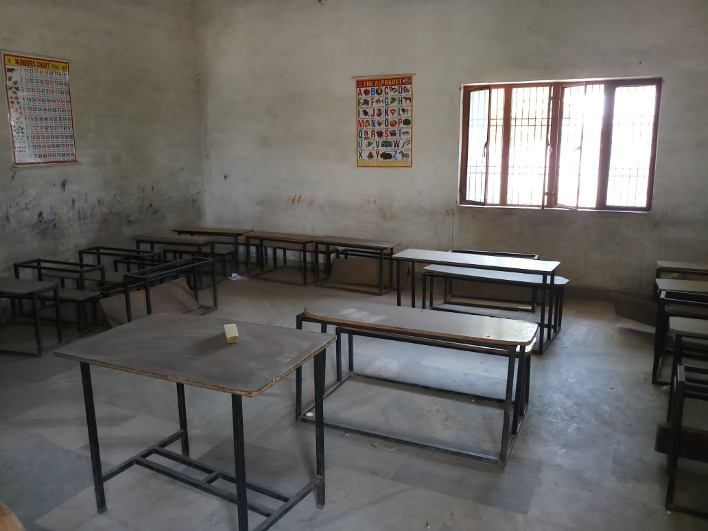 Running School for Sale in Agra