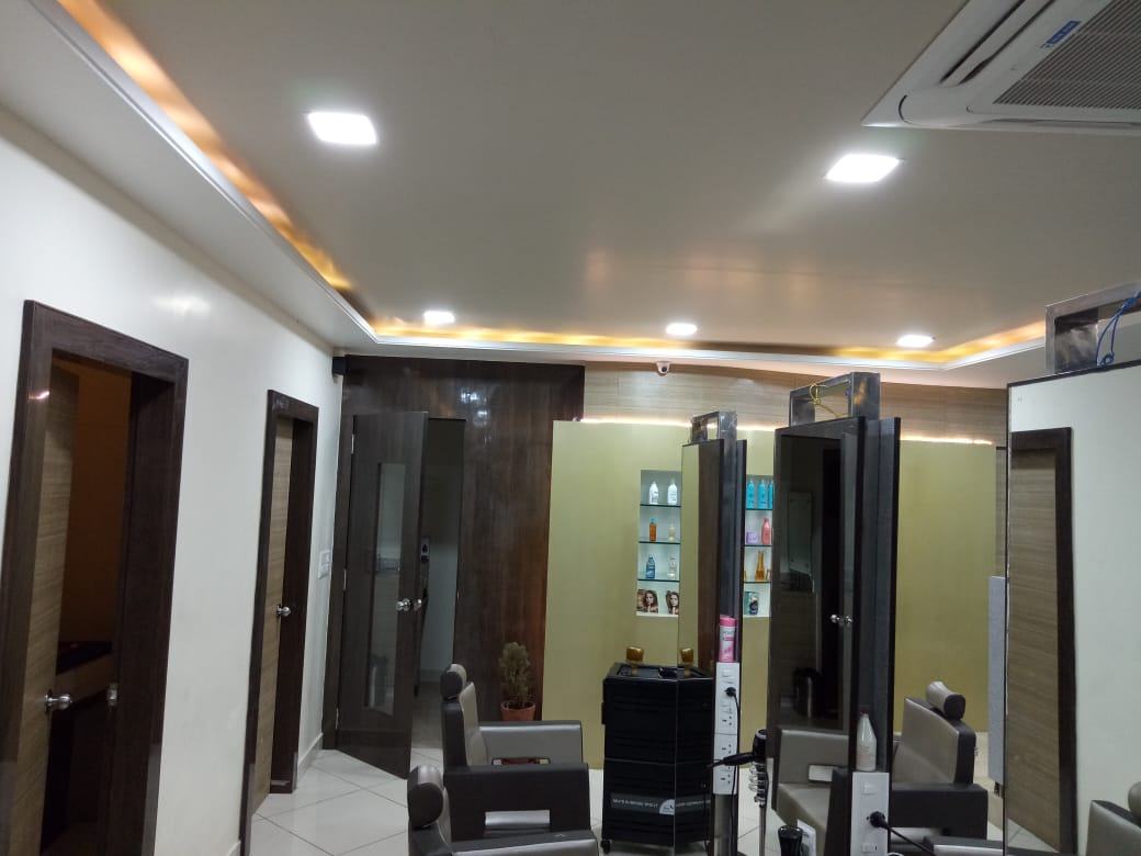Well Established Running Salon and Spa Business in Prime Location of Btm Layout 2nd Stage Is for Sale