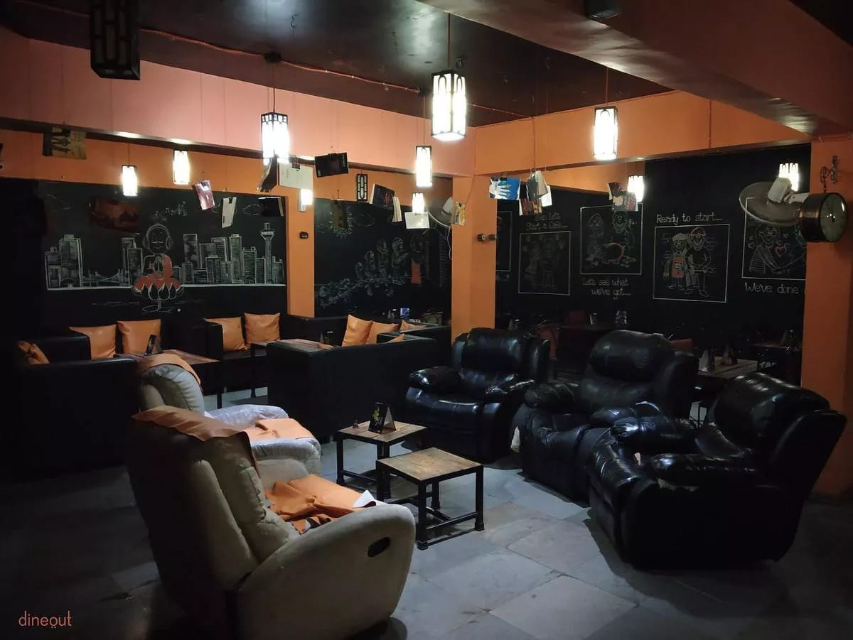Running Cafe for sale in Ahmedabad