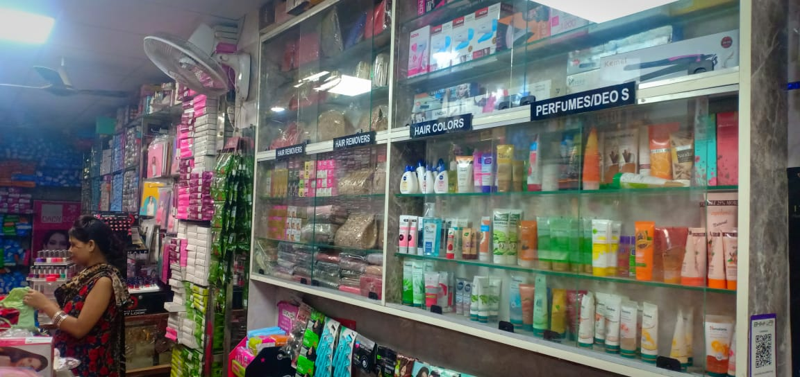Ladies Clothing and Accessories store for sale in Delhi