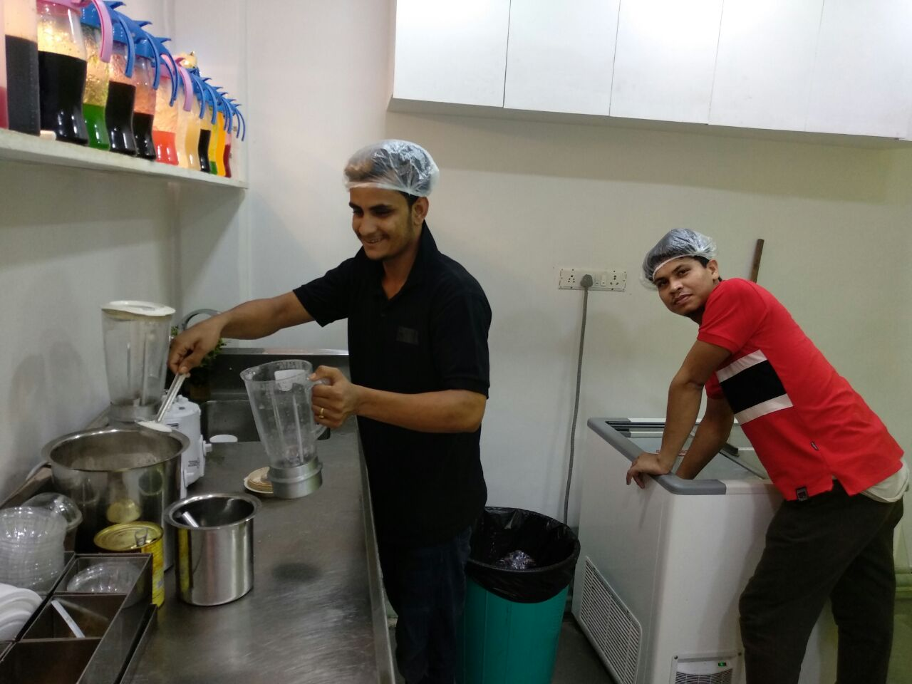 Well Established Beverage Shop and Dessert Parlor for sale in Mumbai