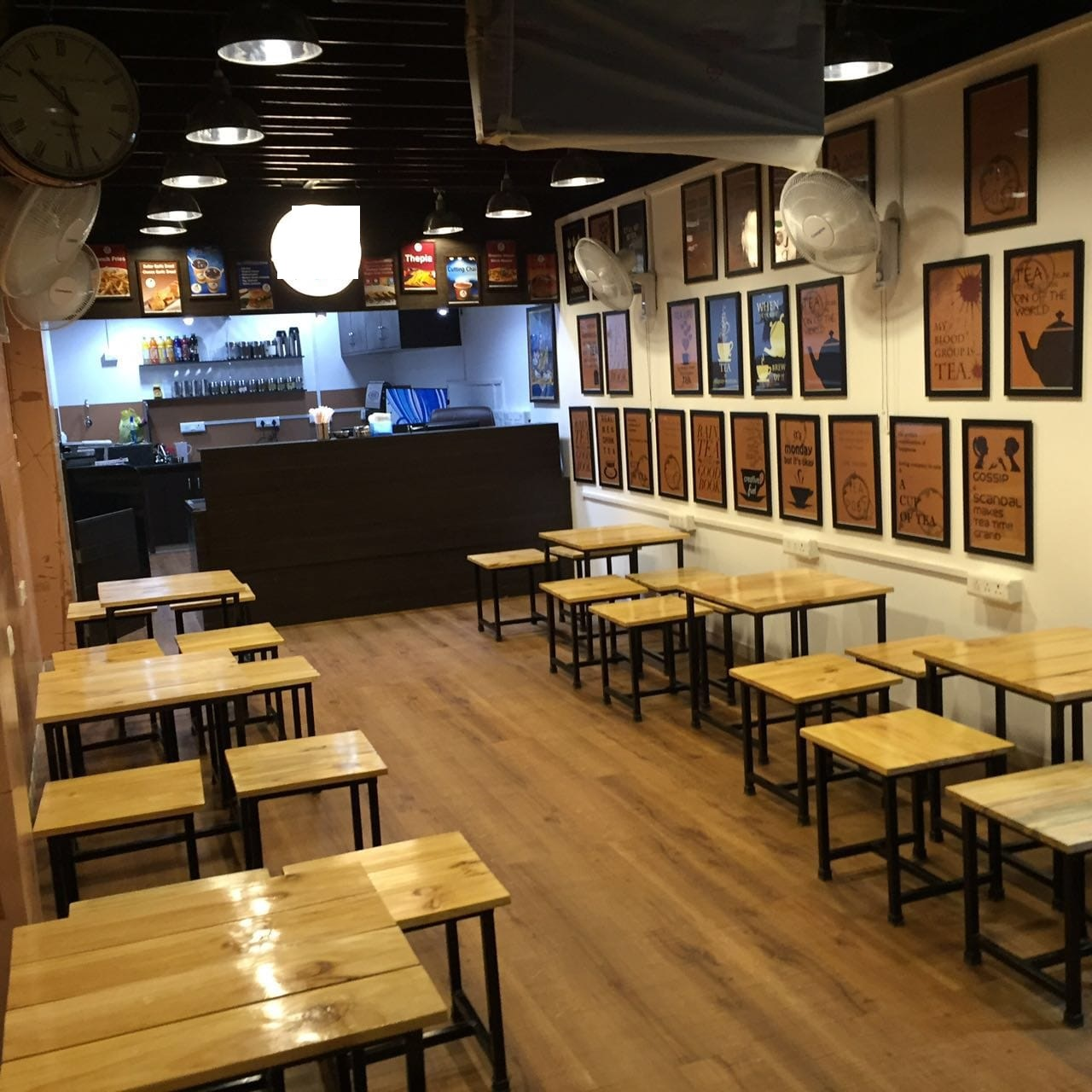 Running and Profitable franchise Cafe is looking for an exit