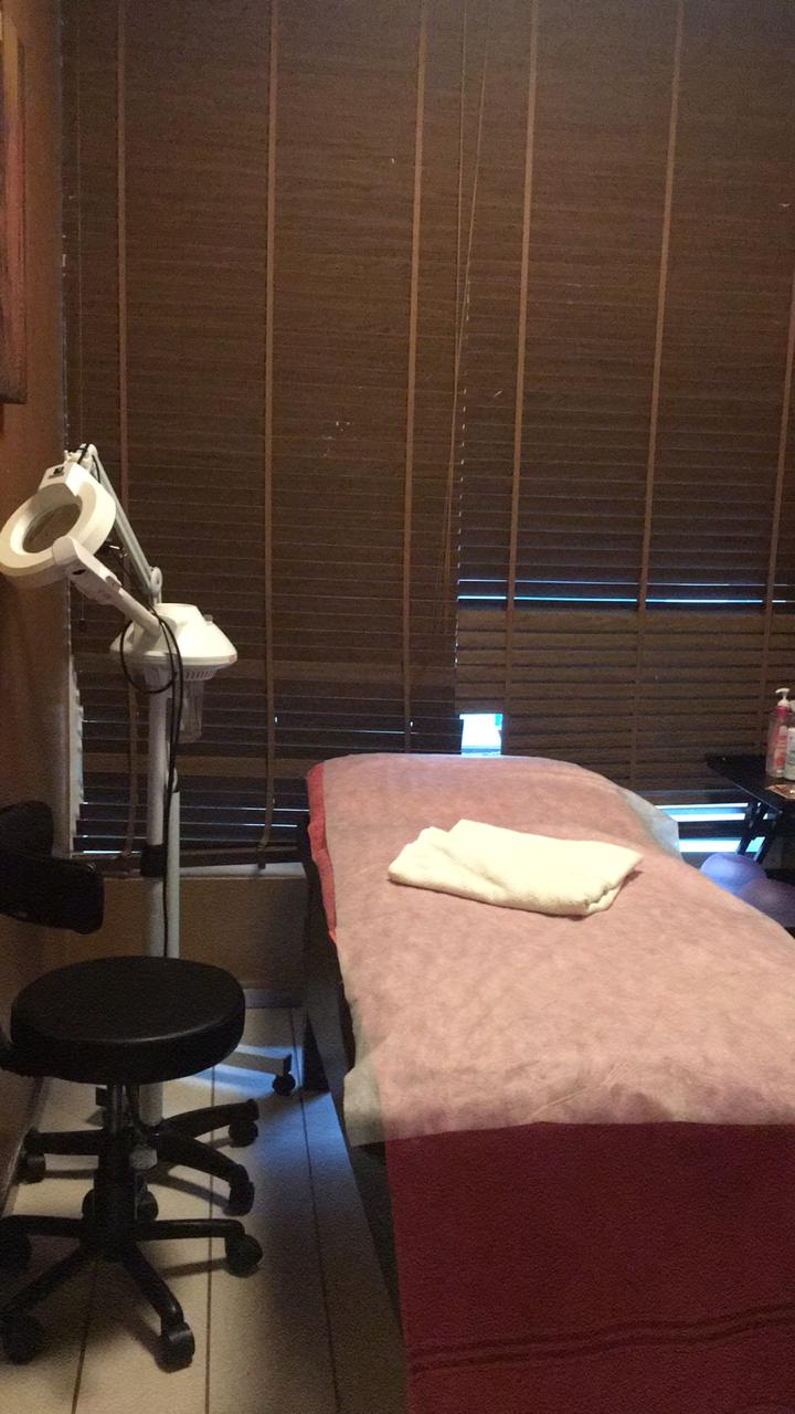 Established running spa located inside a reputed club is for sale